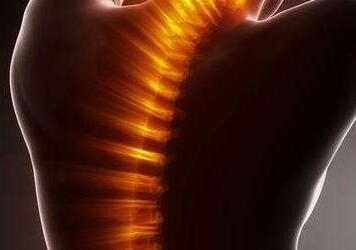 贵阳强直专业医院:强直性脊柱炎的主要症状有哪些